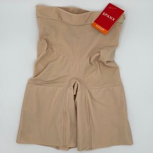 SPANX On Core Mid Thigh Short